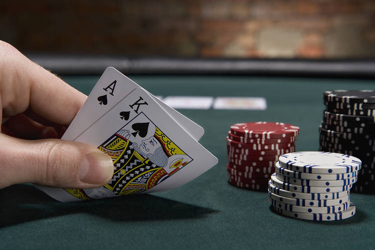 The Real Difference Involving Online Poker Rakeback And Poker Bonuses